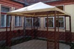 foisor mobilier pentru gradina cu prelata din PVC