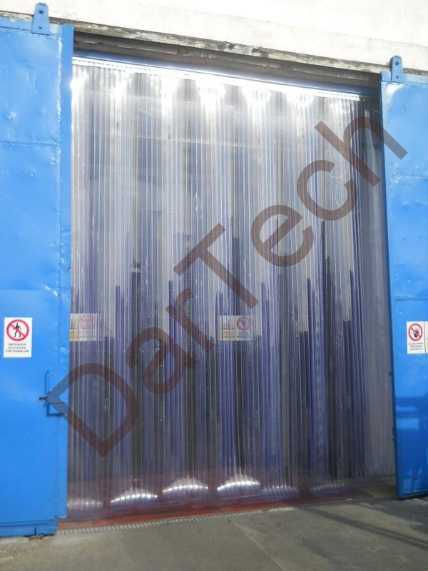 perde termica PVC industriala pentru depozite,perdea termica pvc pentru usi sectionale